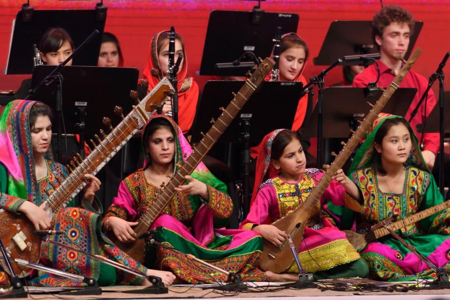 Dirigées par la jeune Negina Khpalwak, les musiciennes... (PHOTO AFP)