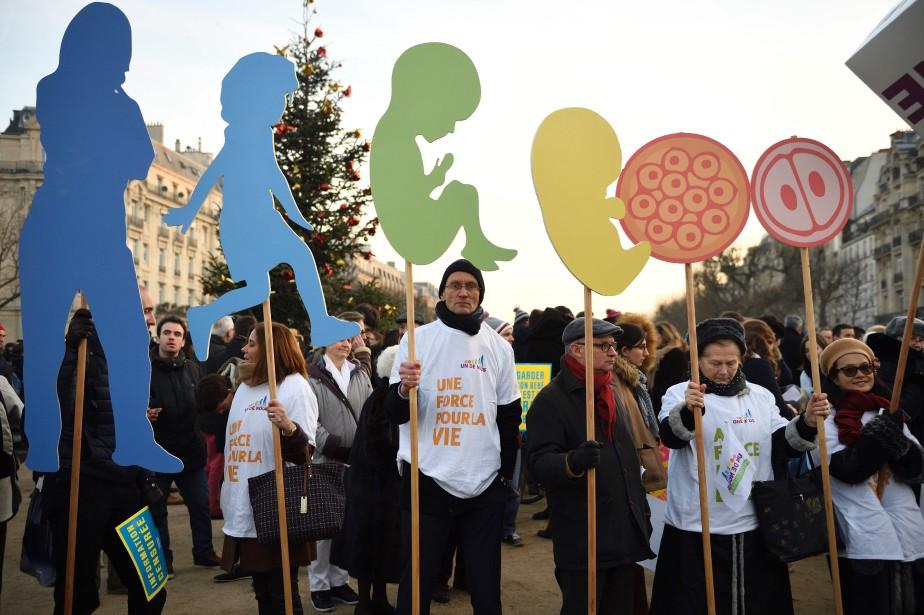 Les participants venus de toute la France, dont... (Photo Eric Feferberg, Agence France-Presse)