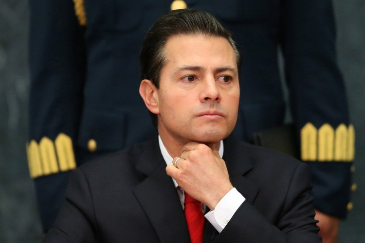 Enrique Pena Nieto... (PHOTO REUTERS)