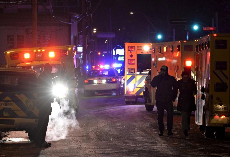 Les policiers ont rapidement bouclé le secteur où est survenue la tragédie. | 29 janvier 2017