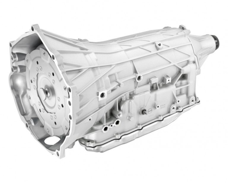 Malgré un nombre élevé de rapports, cette transmission a presque les mêmes dimensions qu'une boîte à 6 ou 8 rapports. Son rapport final est de 7.39. Entre le neuvième et le dixième rapport, toutefois, la différence est si mince qu'elle est à peu près imperceptible. Elle promet des passages de rapports entre 26 et 36% plus rapides que celles de la fameuse boîte PDK à double embrayage de la Porsche 911 GT3.-Crédit:Chevrolet (Photo : Chevrolet)