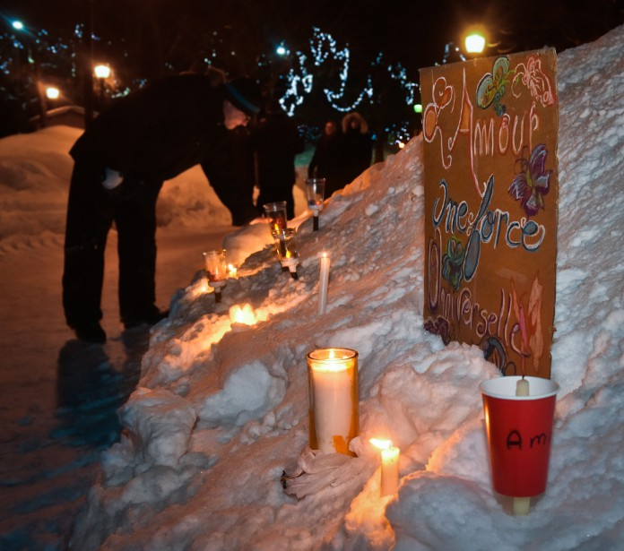 Deux rassemblements de solidarité ont été organisés à Trois-Rivières, lundi, soit à l'Université du Québec à Trois-Rivières (UQTR) ainsi qu'au parc Champlain. (François Gervais, Le Nouvelliste)
