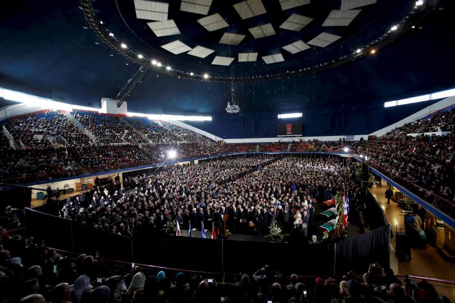Près de 5000 personnes se sont réunies dans l'aréna Maurice-Richard. (AFP, Chris Wattie)