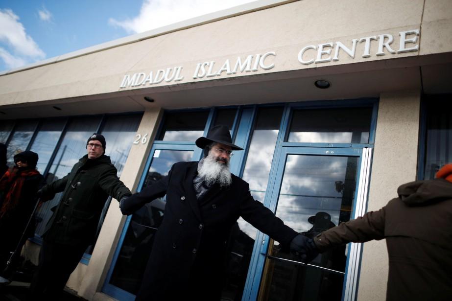 À Toronto, un rabbin a réuni plusieurs groupes... (PHOTO Mark Blinch, REUTERS)