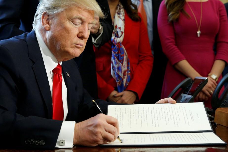 Donald Trump a pris vendredi de nouvelles sanctions contre... (Photo Reuters)