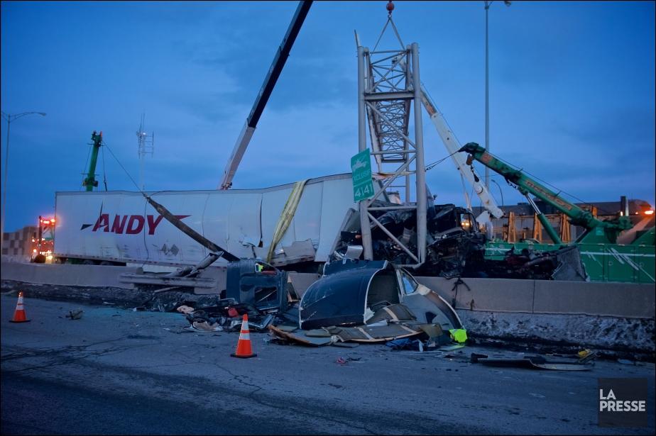 L'accident a fait trois blessés légers.... (Photo André Pichette, La Presse)