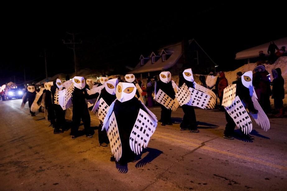 Le défilé du Carnaval ne serait pas complet sans les diverses troupes de danse, fanfares et figurants qui le composent. | 4 février 2017