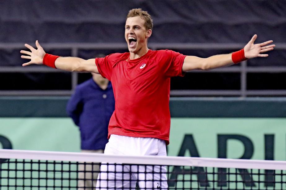 Vasek Pospisil fait 2-2 en gagnant contre Daniel Evans à la 1ère ronde de la Coupe Davis. | 5 février 2017