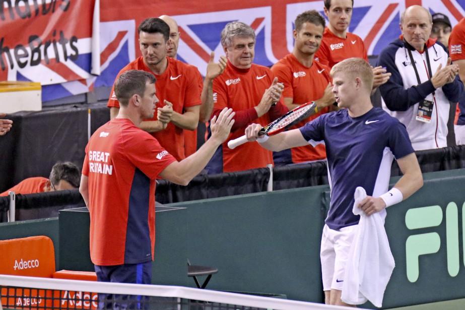 La Grande-Bretagne l'emporte 3-2. | 5 février 2017