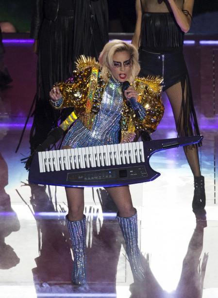 Lady Gaga a offert une prestation haute en couleur lors de la mi-temps du Super Bowl, servant quelques uns ses plus grands succès. (AFP, Valerie Macon)
