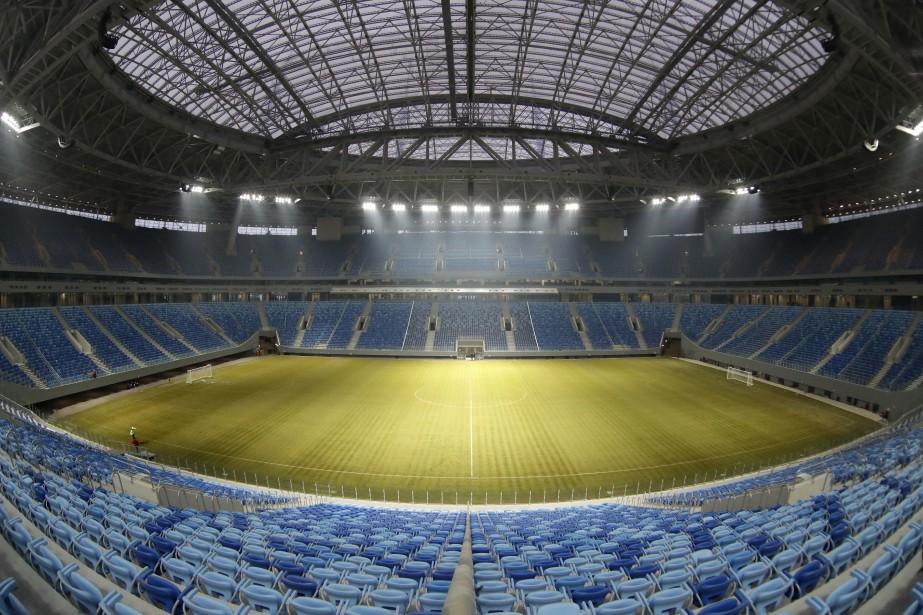 Un stade de Saint-Pétersbourg, en Russie, où seront... (Photo Dmitri Lovetsky, archives AP)