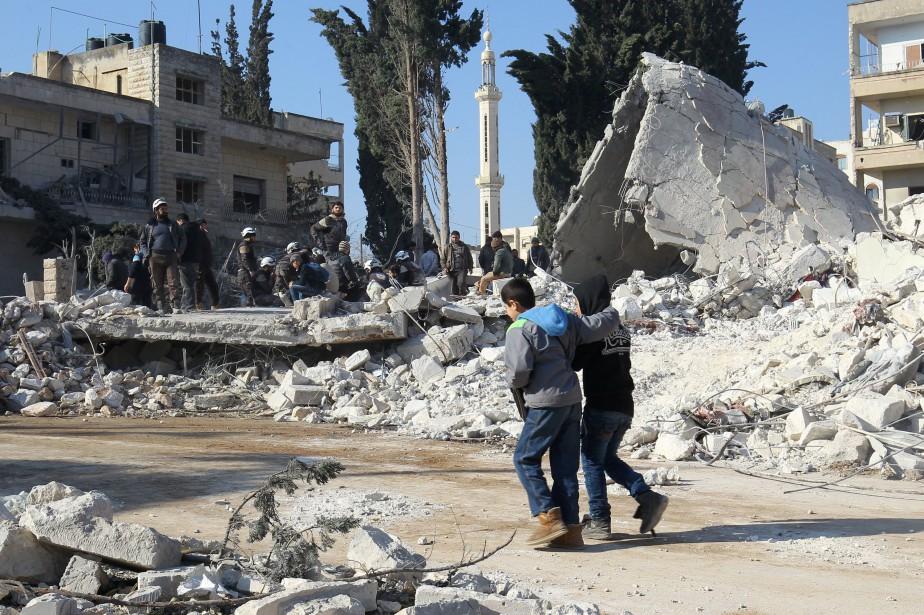 «Dix raids menés par des avions de la... (PHOTO REUTERS)