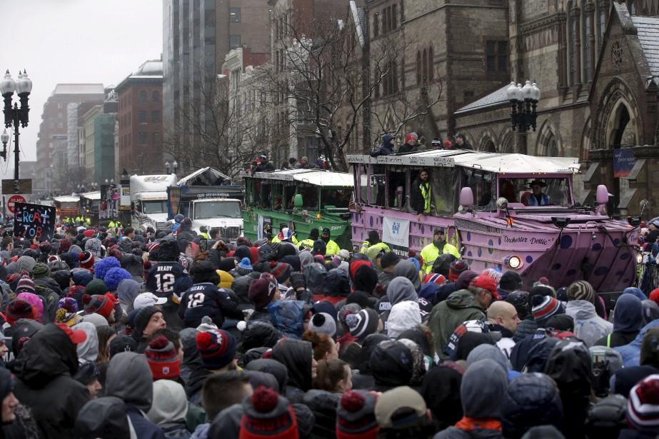 Des amateurs enthousiastes vêtus aux couleurs des Patriots étaient présents en grand nombre. | 7 février 2017