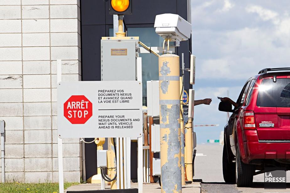 Les douaniers des États-Unis sont autorisés, selon la... (Archives La Presse)
