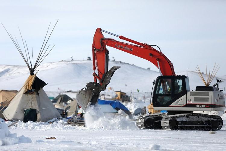 Les travaux étaient gelés depuis des mois en... (PHOTO REUTERS)