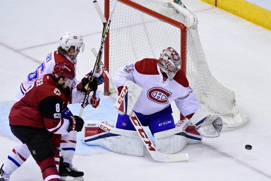La deuxième période a été difficile pour Carey Price et les joueurs de défense du Canadien: les Coyotes ont inscrit trois buts. (Photo Matt Kartozian, USA Today Sports)