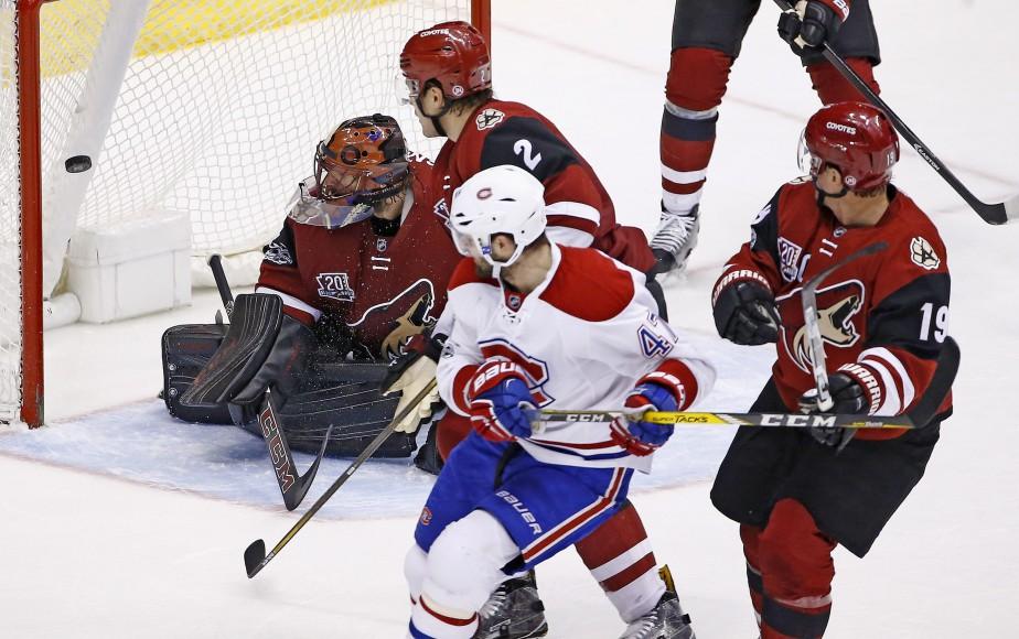 Alexander Radulov est au nombre des joueurs du Canadien qui ont déjoué le gardien Mike Smith, hier. (Photo Ross D. Franklin, AP)