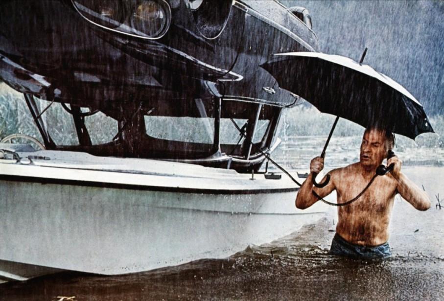 Pour Pierre Brassard, la citroën DS 21 était la voiture de De Gaulle, de Louis de Funès, de Jacques Tati. Ci-haut, De Funès dans une scène aquatique du film <em>Rabbi Jacob</em>. ()