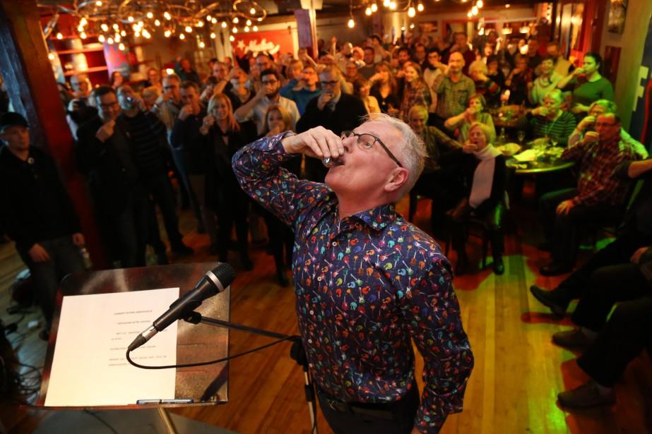 Les 10 ans dePierreFortierà la barre du Festival international de la chanson de Granby ont été soulignés lors du lancement de la période d'inscription. | 13 février 2017