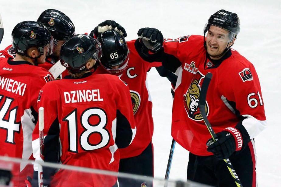 Les Sénateurs d'Ottawa se rapprochent du sommet de... (PhotoFred Chartrand, La Presse canadienne)