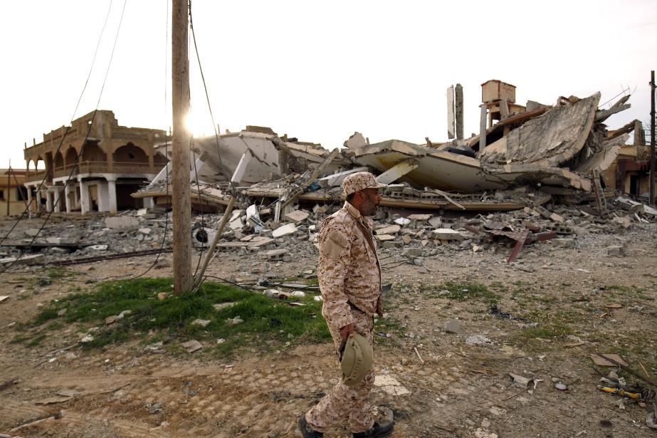Un membre de l'armée nationale Libyenne.... (Photo Abdullah Doma, archives Agence France-Presse)