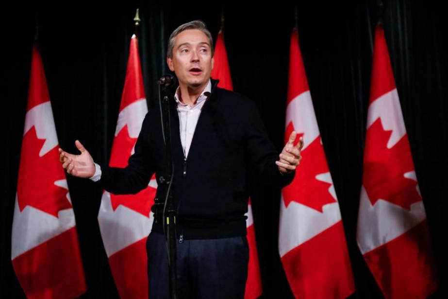 Un porte-parole du ministre du Commerce international François-Philippe... (PHOTOJEFF McINTOSH, ARCHIVES LA PRESSE CANADIENNE)