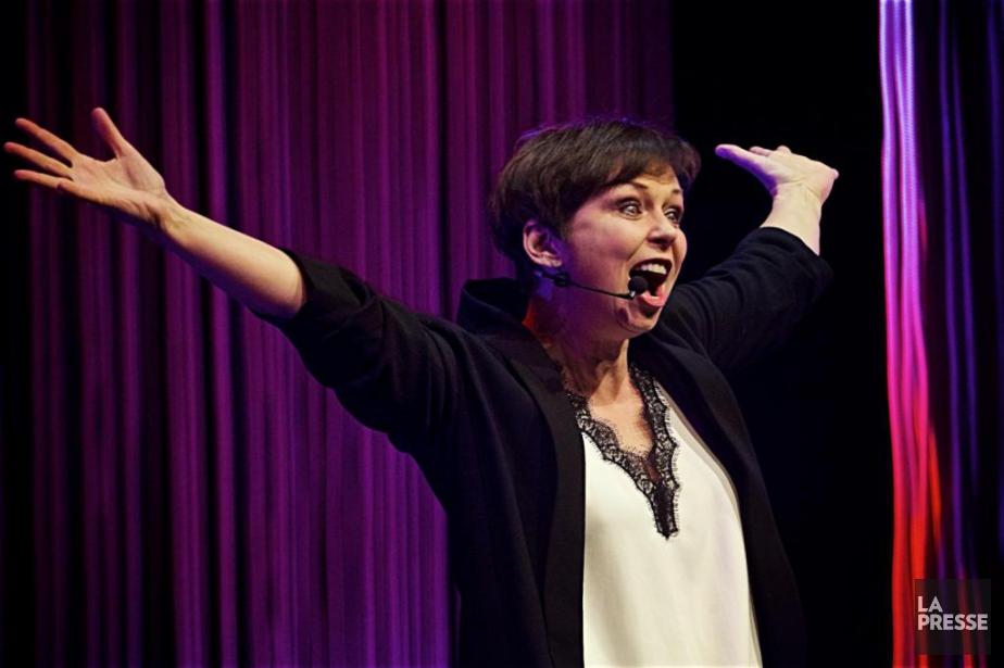 Dans son spectacle Claudine, l'humoriste Claudine Mercier ratisse... (PHOTO ANDRÉ PICHETTE, LA PRESSE)