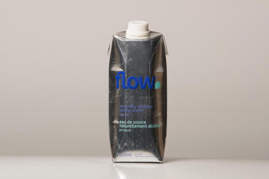 Eau de source alcaline Flow,1$ pour 500ml... (Photo Ivanoh Demers, La Presse)