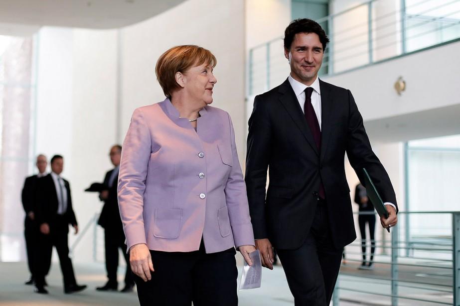 Angela Merkel et Justin Trudeau, à Berlin.... (Markus Schreiber, Associated Press)