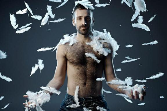 Jérémy Galdeano dans Le sacre du printemps... (Photo Sasha Onyshchenko, fournie parles Grands Ballets canadiens)
