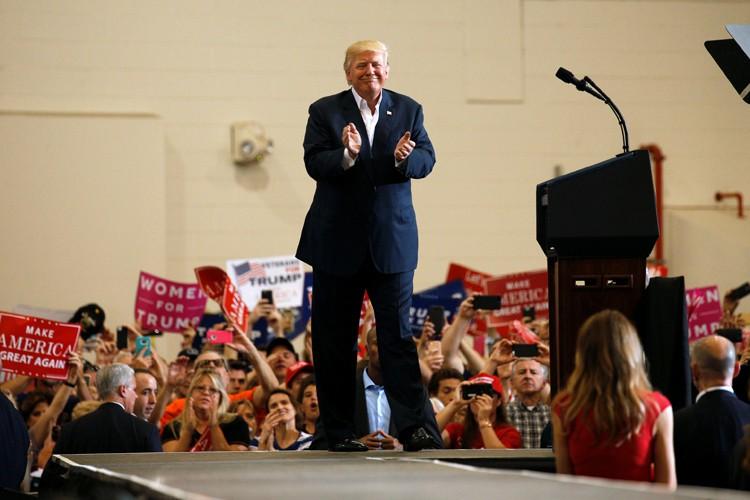 Donald Trump a livré un discours virulent, samedi,... (PHOTO REUTERS)