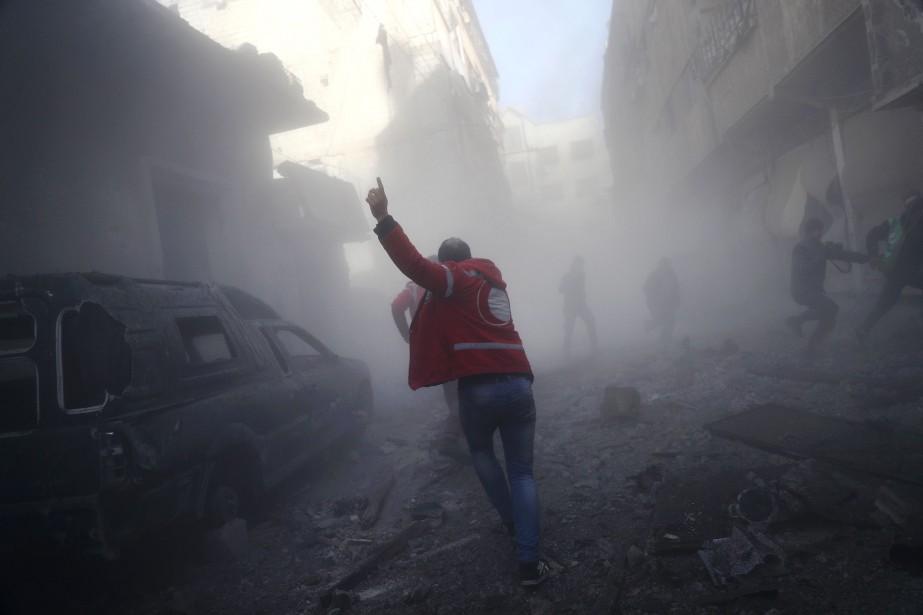 Lundi, les forces du régime ont redoublé leurs... (Archives AFP)