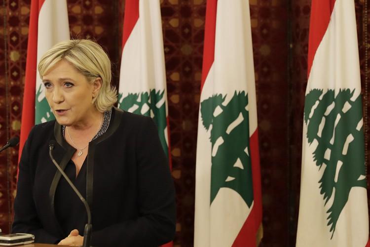 Marine Le Pen, qui prône l'arrêt de toute... (PHOTO AFP)