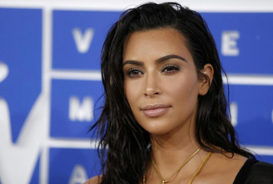 La fameuse bague de Kim Kardashian - volée... (PHOTO EDUARDO MUNOZ, ARCHIVES REUTERS)