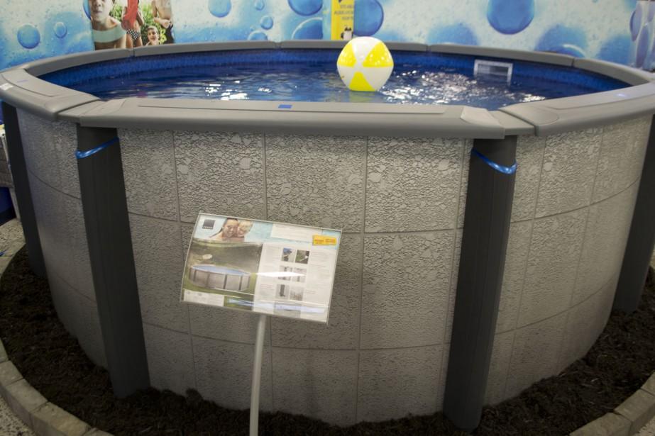 Le nouveau modèle de piscine Edge à la fois résistante et design. Cette dernière est aussi compatible avec le système au sel. (courtoisie)