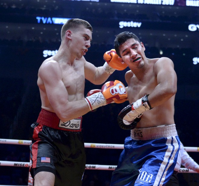 Premier combat (170 lb - 8 rounds): Dario Bredicean (à gauche) a porté sa fiche à 12-0 en l'emportant par décision unanime contre Alejandro Torres. | 24 février 2017