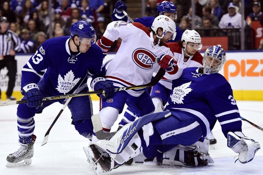 David Desharnais fonce au filet.... (Photo Frank Gunn, La Presse canadienne)