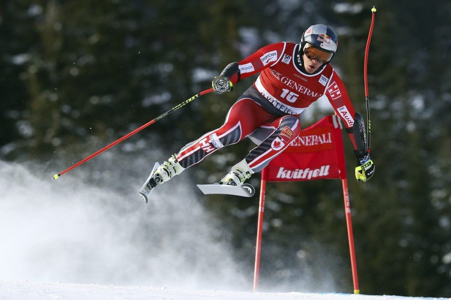 Erik Guay... (PHOTO ALESSANDRO TROVATI, ASSOCIATED PRESS)