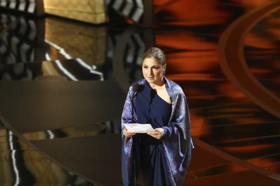 Anousheh Ansari, la première Iranienne à aller dans l'espace, a lu un message de la part d'Asghar Farhadi, lauréat <em>in absentia</em> du meilleur film en langue étrangère, <em>Le Client</em>. (NEW YORK TIMES)
