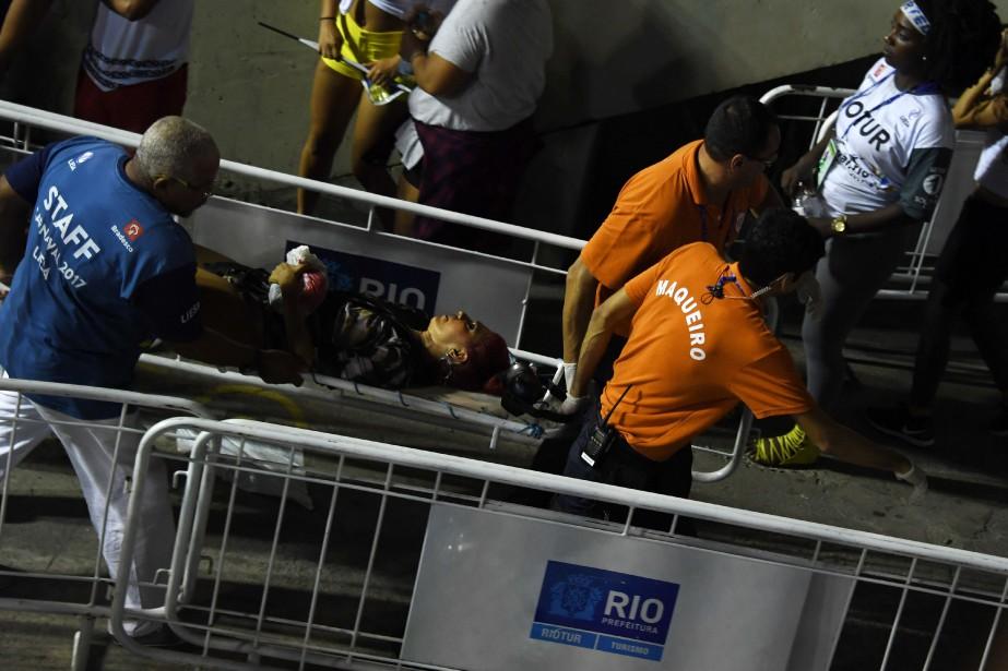 Onze personnes ont été blessées, et neuf ont... (Photo VANDERLEI ALMEIDA, Agence France-Presse)