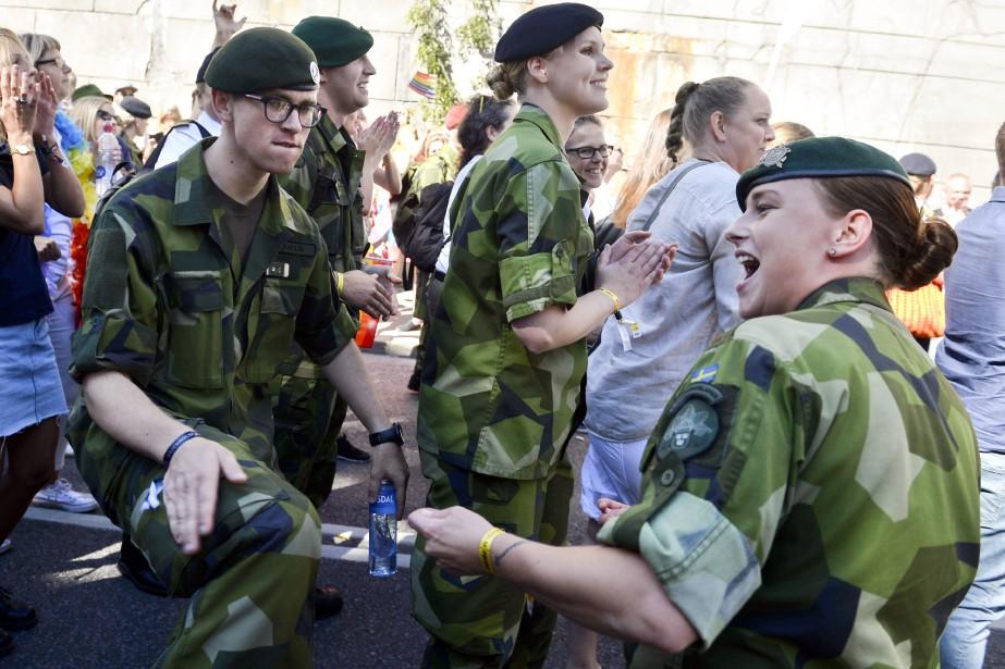 Le service militaire obligatoire sera rétabli cet été... (Photo Vilhelm Stokstad/TT, via AP)