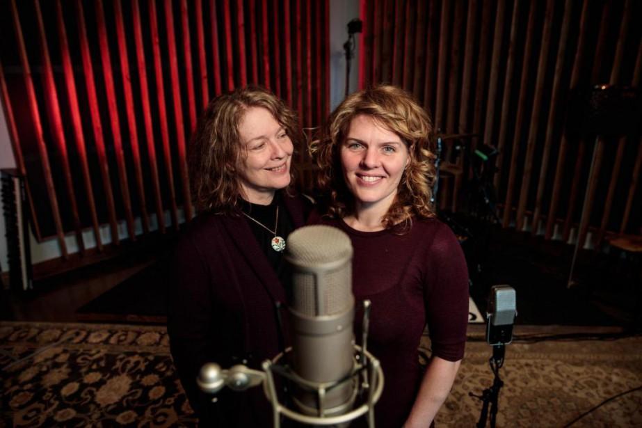 Le duo mère-fille composé de Karen Young et... (PHOTO HUGO-SÉBASTIEN AUBERT, LA PRESSE)