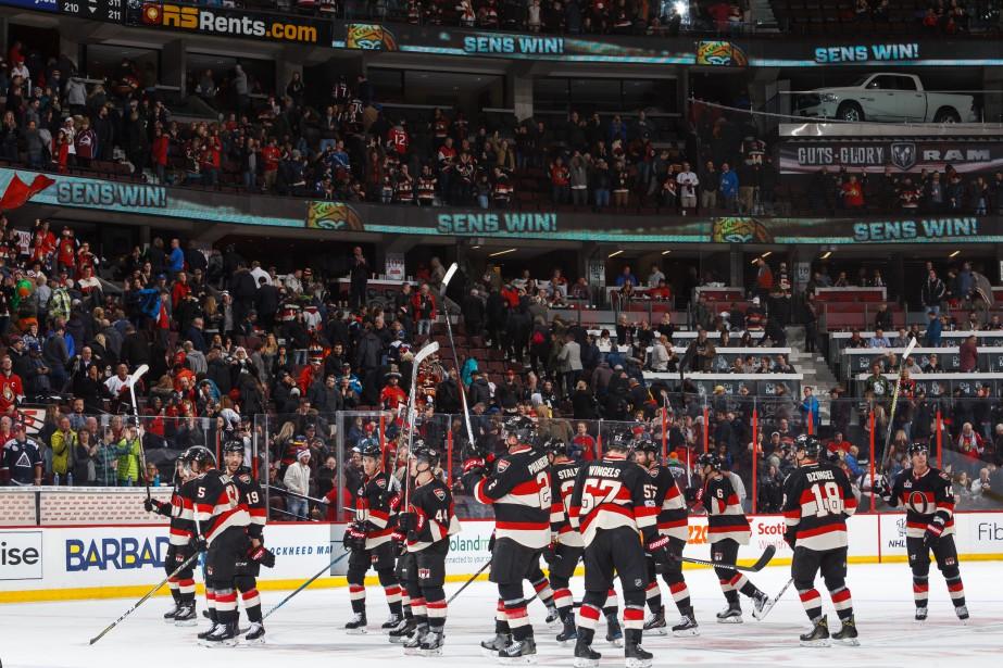 Malgré cette victoire, les Sénateurs (34-22-6) demeurent à six points des Canadiens de Montréal et du premier rang dans la division Atlantique. (Agence France-Presse)