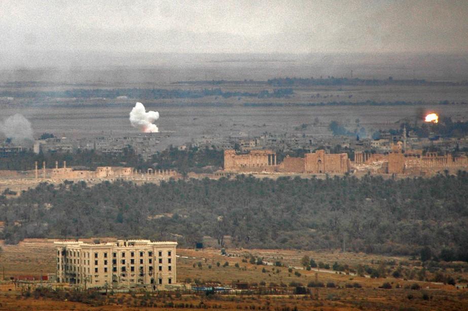 Les forces du régime de Damas, appuyées par... (PHOTO AGENCE FRANCE-PRESSE)