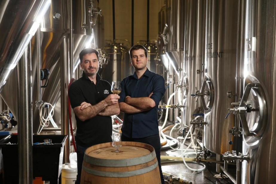 Le fondateur d'Oshlag, Julien Niquet (à droite), et... (PHOTO Martin Chamberland, LA PRESSE)