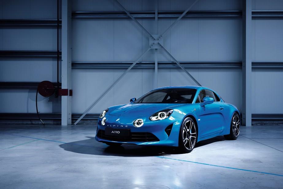 Cette photo rendue publique par Renault le 30 janvier 2017 montre la nouvelle Alpine A110. La vraie voiture --de verre et d'acier-- sera dévoilée la semaine prochaine au Salon de l'auto de Genève. (AFP)