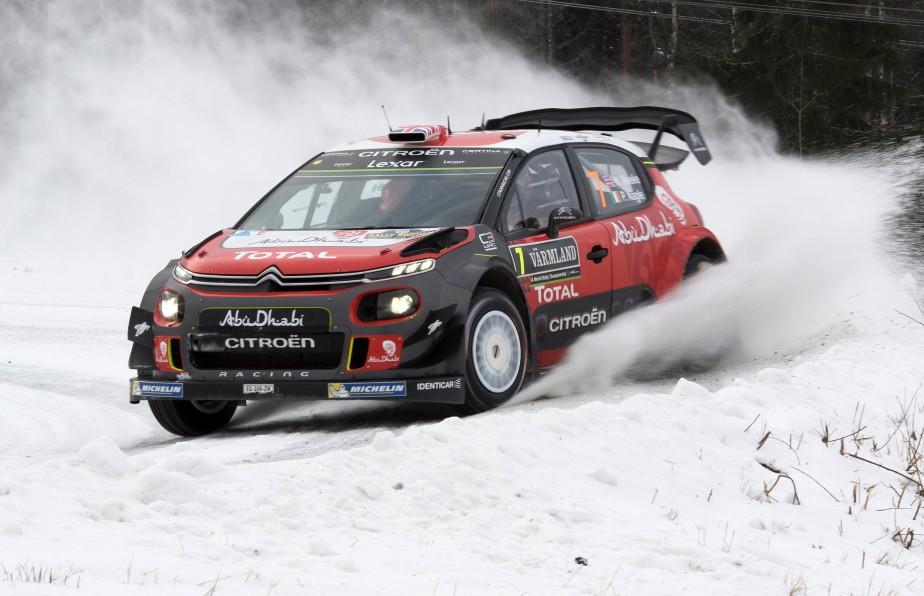 Cette C3 WRC est la version rallye de la Citroën C3 en lice pour le titre de voiture de l'année. La lauréate sera annoncée lundi prochain à Genève. (AGENCE TT, via REUTERS)