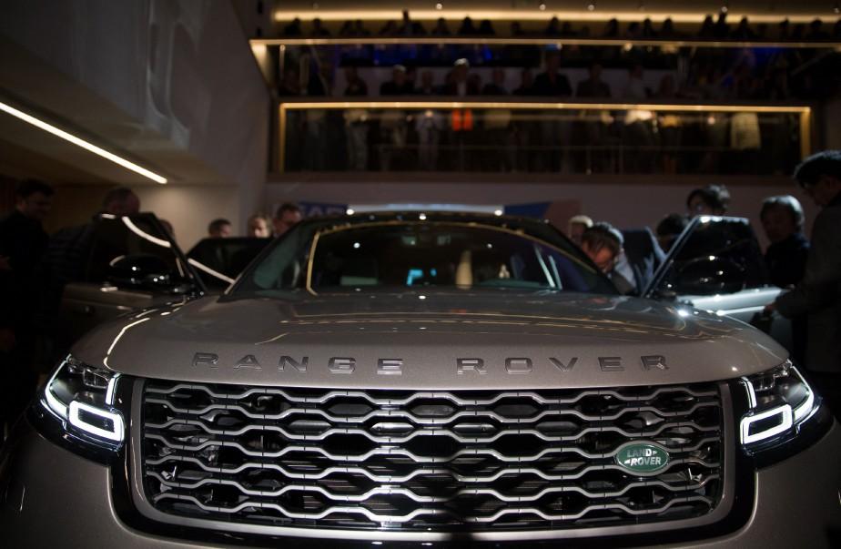 Le Range Rover Velar durant sa présentation à Londres le 1er mars. Il sera exposé au Salon de l'auto de l'auto de Genève. (AFP)
