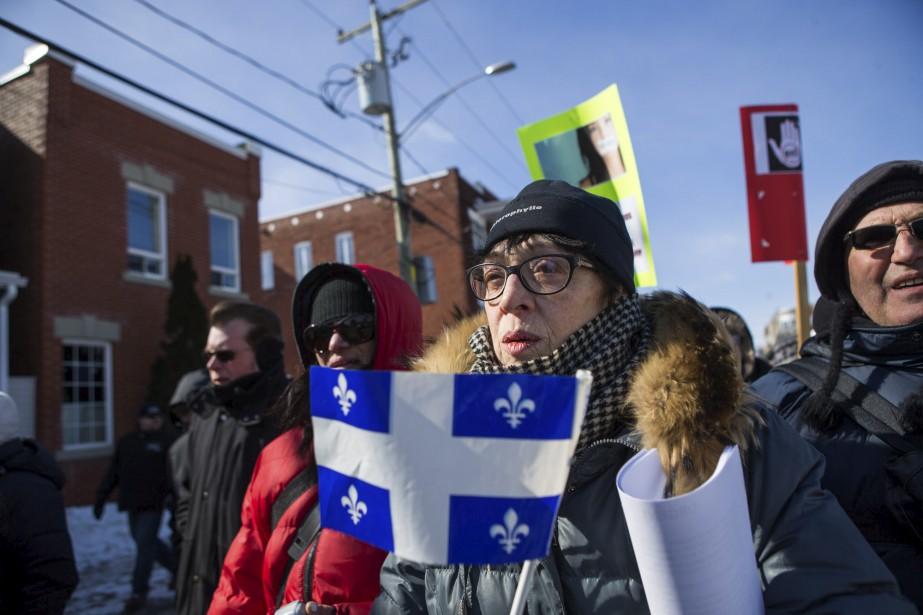Des manifestants du groupe Les Soldats d'Odin à Trois-Rivières   4 mars 2017