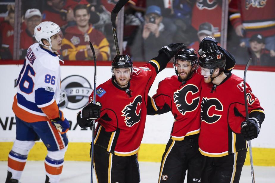 Sean Monahan a récolté un but et... (Photo Jeff McIntosh, La Presse canadienne)